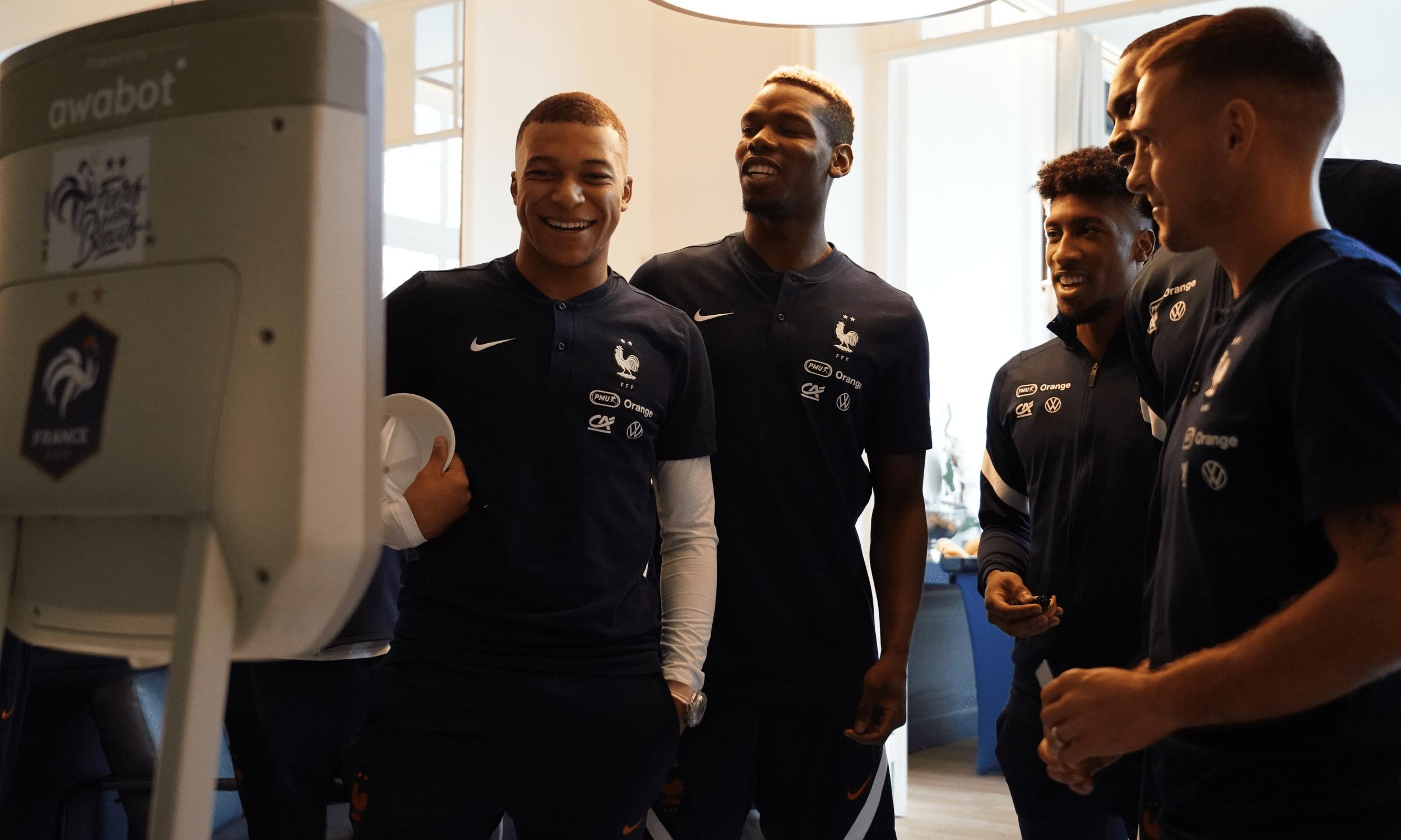 La FFF - Fédération Française de Football et Téléthon se sont unis pour réaliser les rêves de Jonas et de Nell-Isambre, supporters de l'Équipe de France de Football ⭐️⭐️
