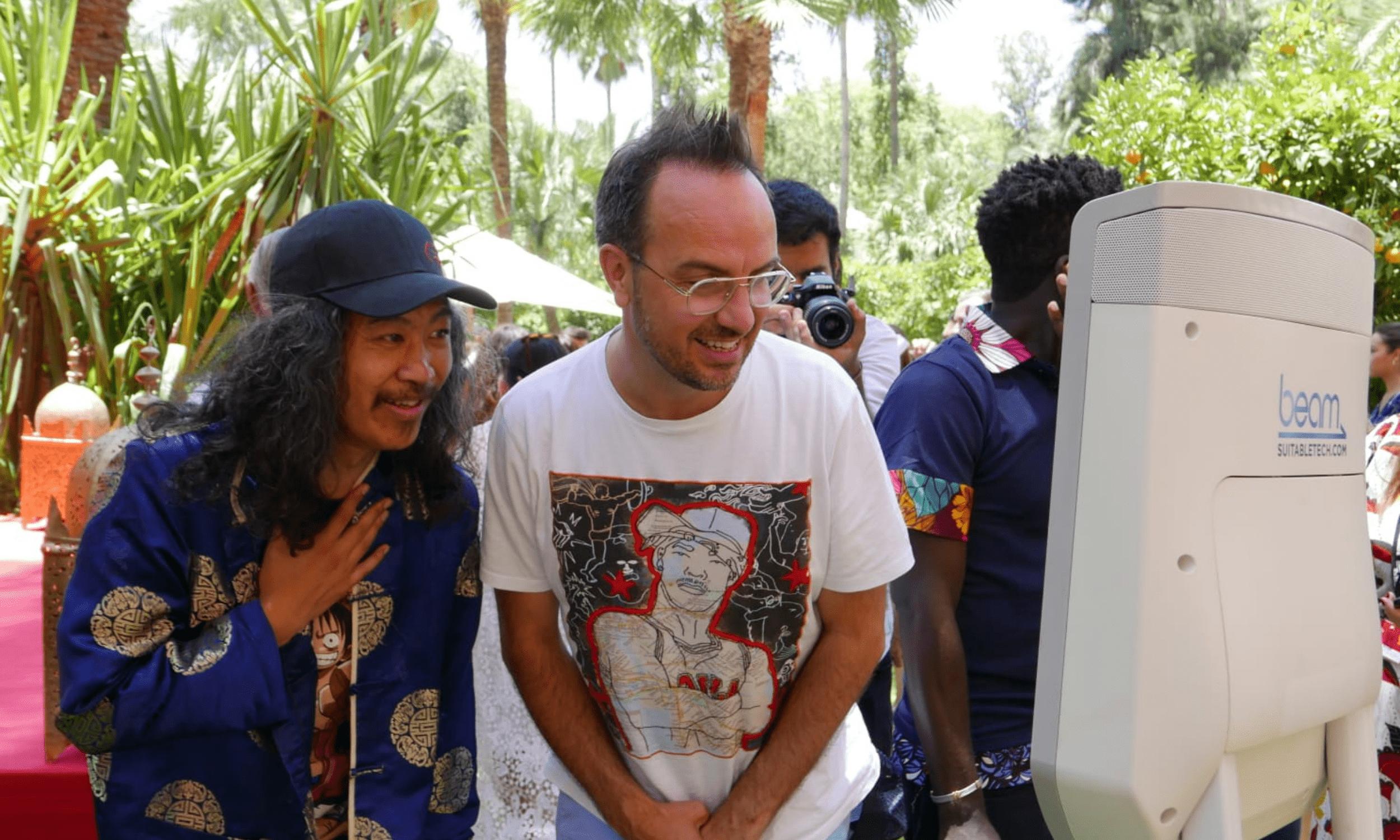 Grâce à la Eric Abidal Foundation et à Jamel Debbouze, les jeunes patients de l'#IHOPe - Centre Léon Bérard ont vécu des moments exceptionnels au Marrakech Du Rire !