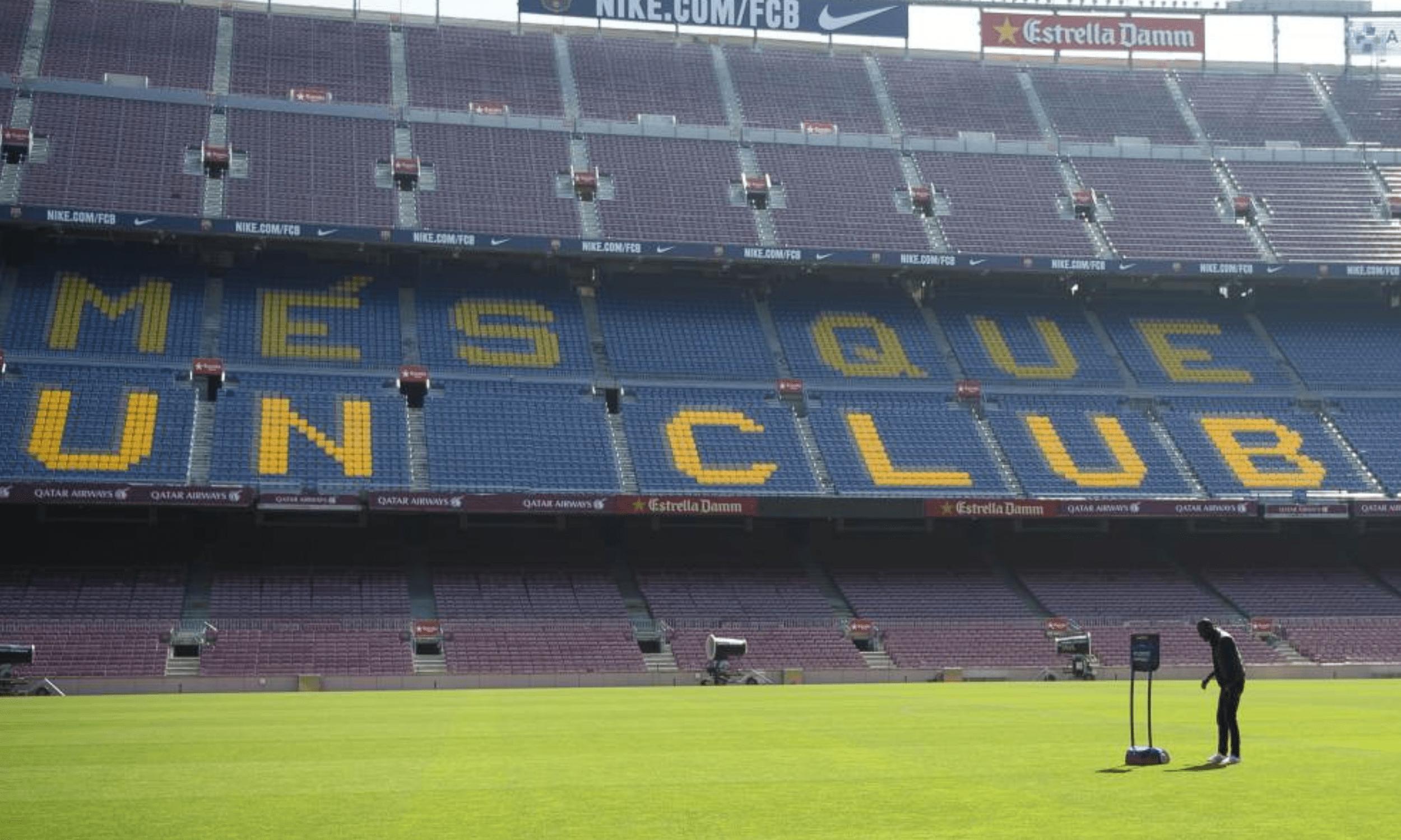 BEAM sur la pelouse du Camp Nou